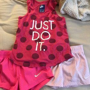 Girls size 4/5 Nike lot